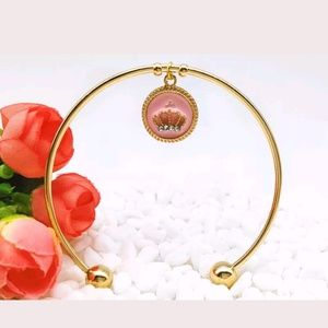 Jewelry - 👑 Golden Crown Bangle | Bracelet